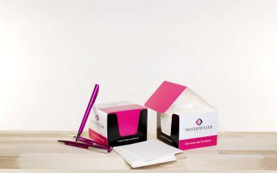 Würfelblöcke & Schreibtischunterlagen
